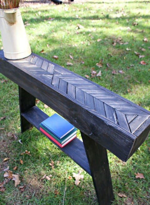 Stunning Entry Table Made From A Simple Pallet