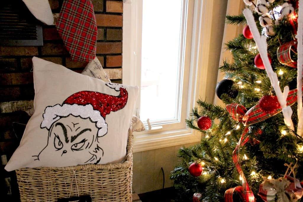 Handmade Dr Seuss Grinch Pillow Knockoffdecor Com