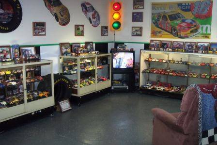 5 Cool Ideas To Turn Your Garage Into A Game Room Knockoffdecor Com