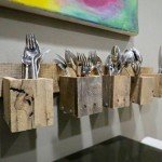 You'll Find Many Uses for This Pallet Silverware Holder