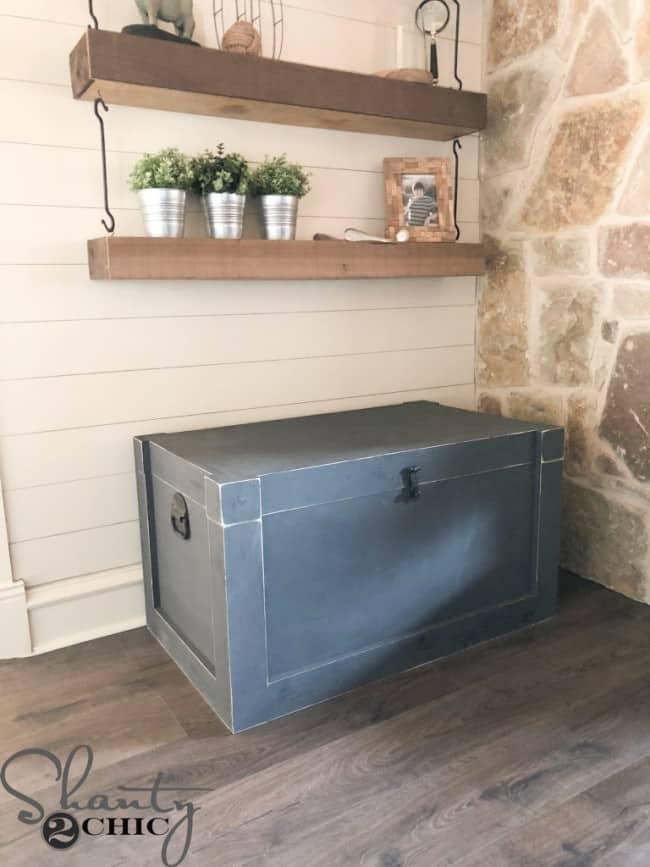 DIY Farmhouse Trunk