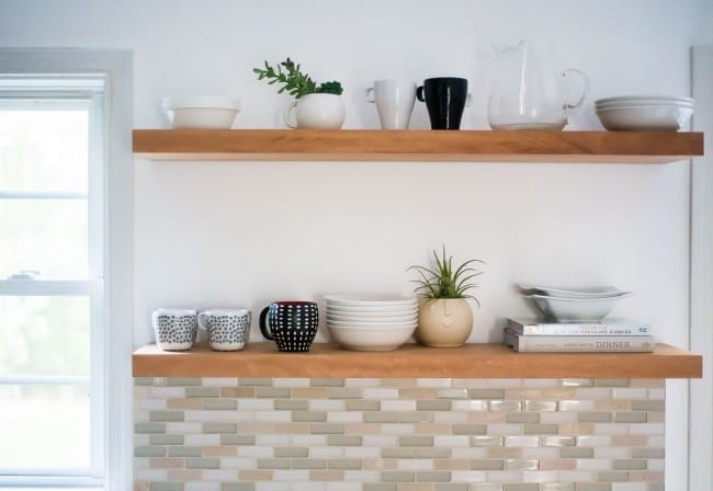 HOW-TO-HANG-OPEN-KITCHEN-SHELVES