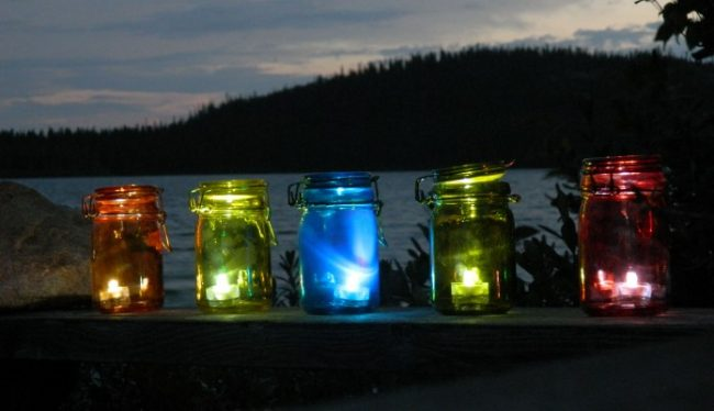 colored-lighted-mason-jars