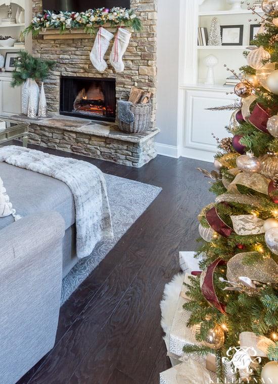 clean-christmas-decor