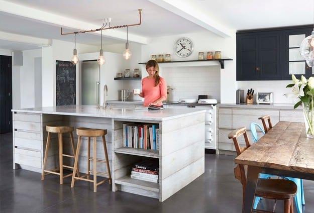 Farmhouse kitchen cabinet idea