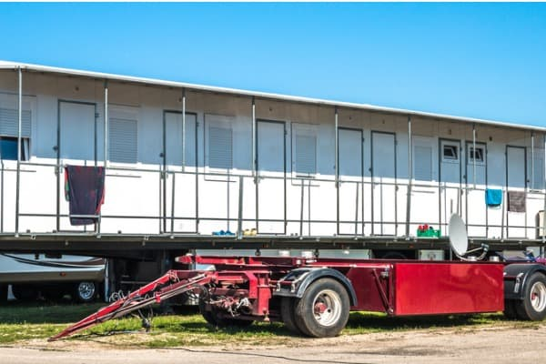 portable buildings delivery