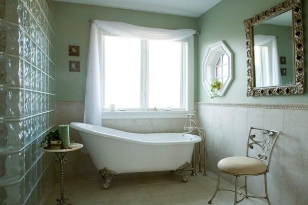 free standing soaking tubs