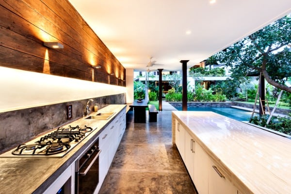 kitchens connected to the outdoors