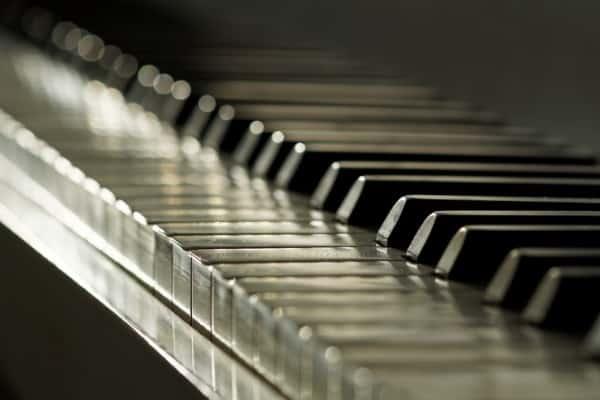 ivory colored piano keys