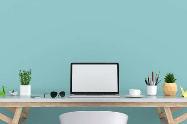 laptop display workspace at home