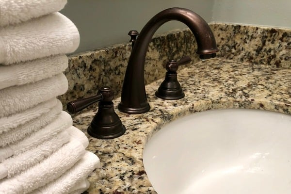 inexpensive faucet for sink