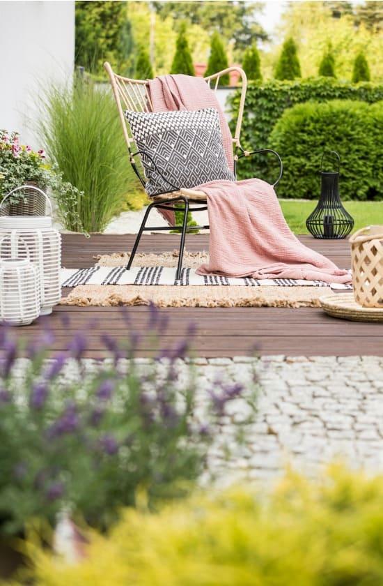 deck-furniture-like-home