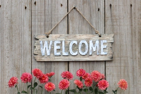 vintage-wood-sign-welcome