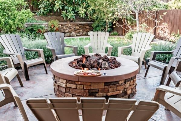 backyard-and-patio-firepit