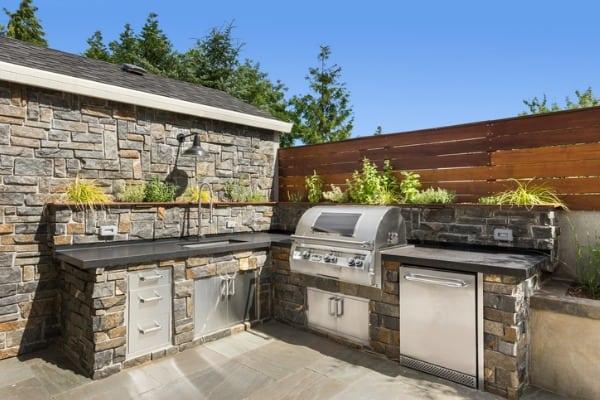 backyard-hardscape-patio