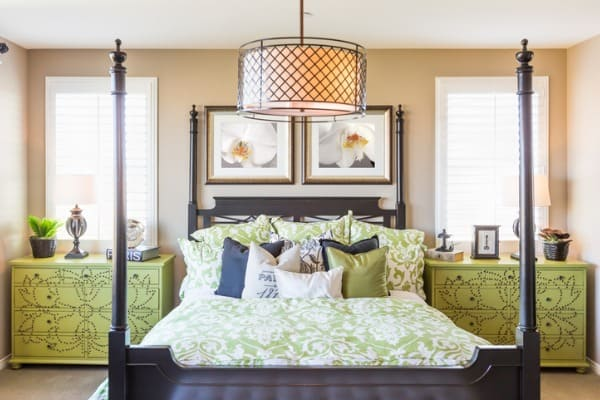 interior-bedroom-design-with-four-post-bed-frame
