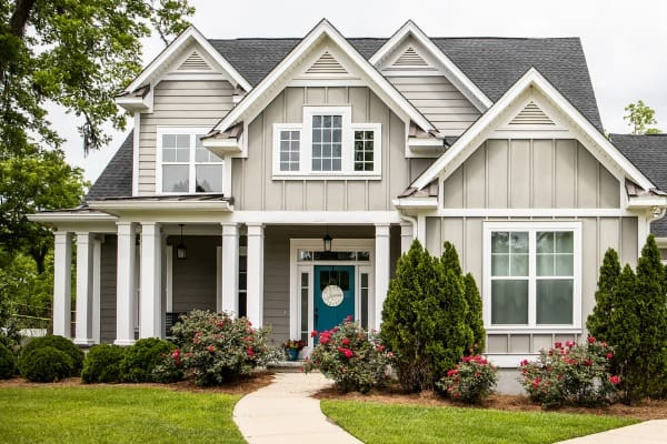 gray-house-curb-appeal