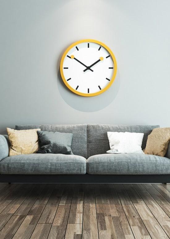 living-room-interior-design-big-clock