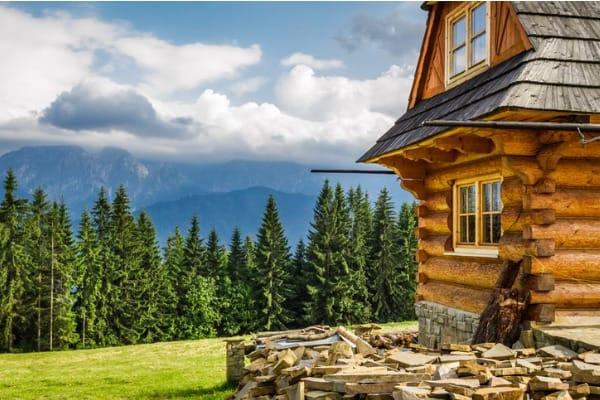 rustic-wood-mountain-home
