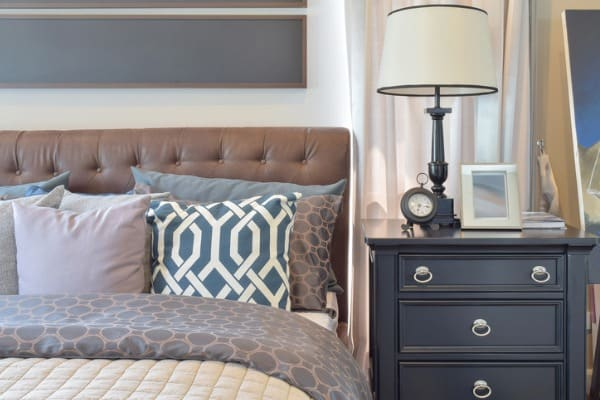 bedroom-storage-table