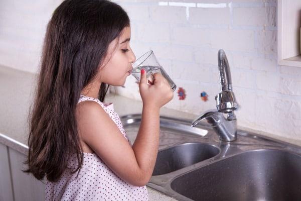 drinking-hard-water