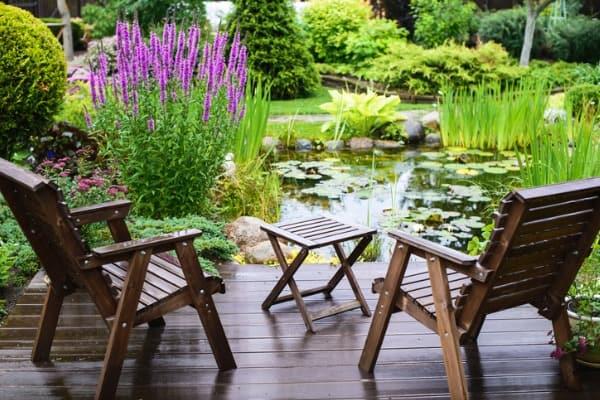 garden-furniture-near-the-pond