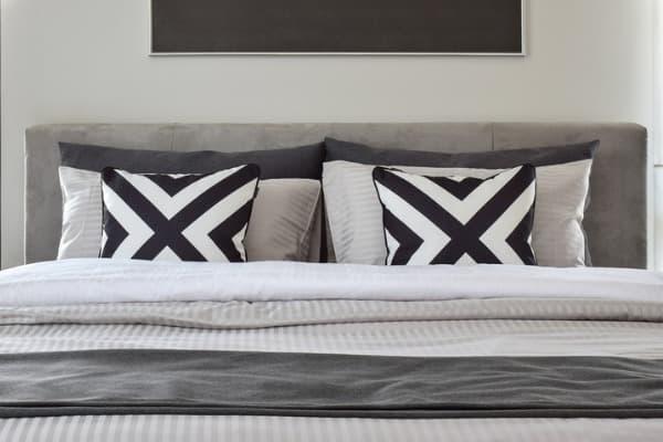 master-bedroom-linens
