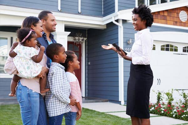 real-estate-broker-family
