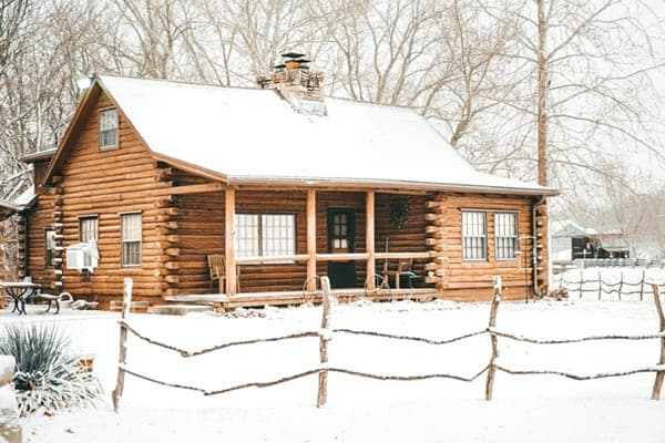 snowy-log-cabin-design
