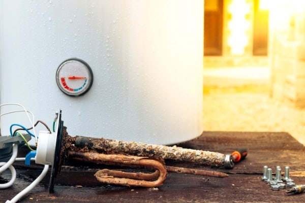 water-heater-heating-element-rusted
