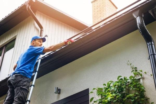 choosing-roof-repair-service