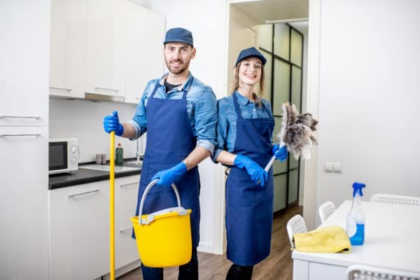 deep-cleaning-house