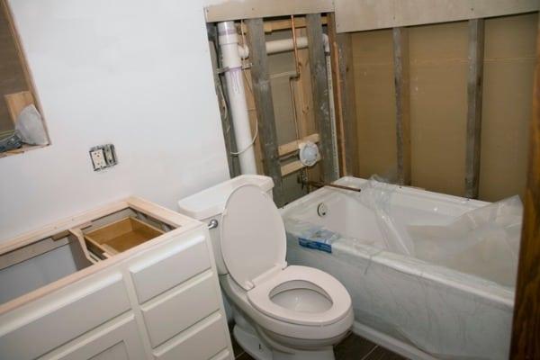 bathroom-remodel-vanity-toilet-tub