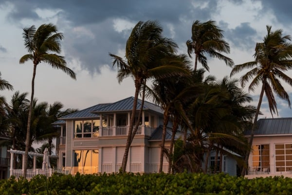coastal-house-hurricane