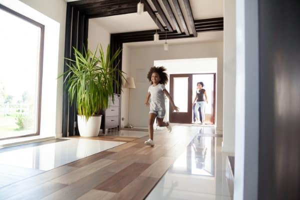 hallway-entering-big-modern-house