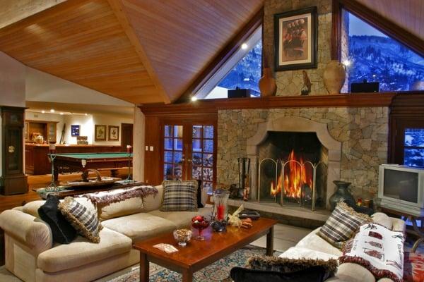 interior-of-luxury-mountain-home