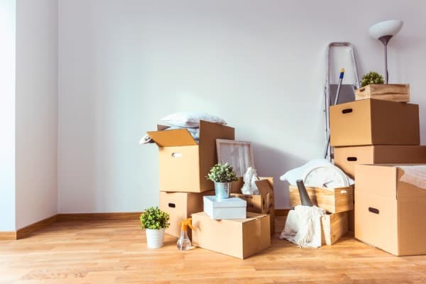 move-cardboard-boxes-and-cleaning-things-for-moving