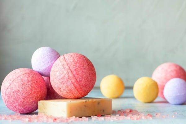 colorful-bath-bombs