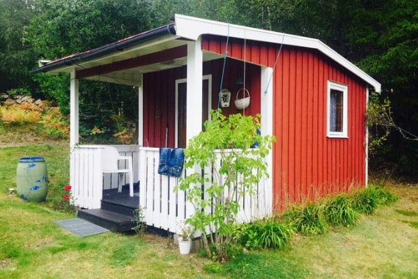 cute-red-swedish-shed-small-house