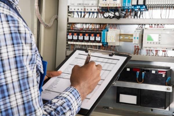 male-technician-audit
