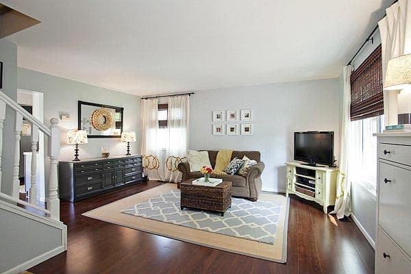 ol white living room photo