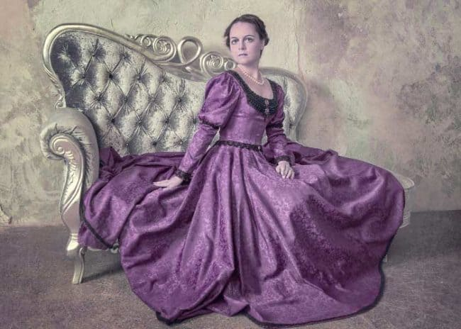 muave dress in 1800s fashion